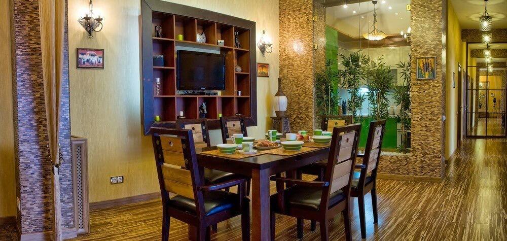 Оклейка стен бамбуковыми обоями