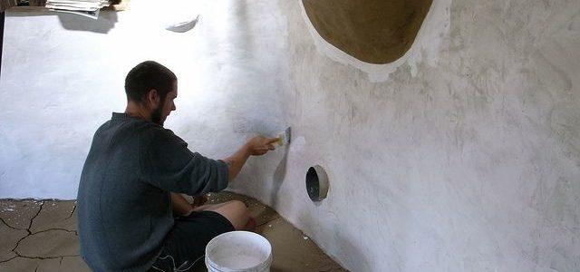штукатурка глиняных стен