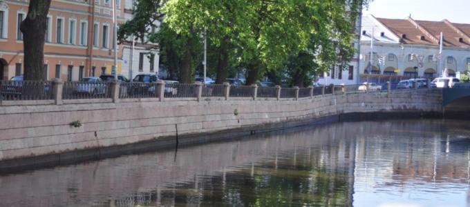 На набережной реки Карповки полностью возобновили движение