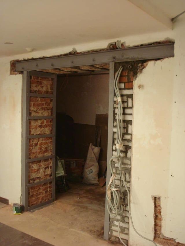 как вырезать проем в кирпичной стене без пыли