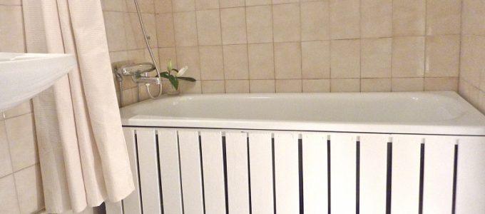 виды каркасов для экранов в ванной под ванну